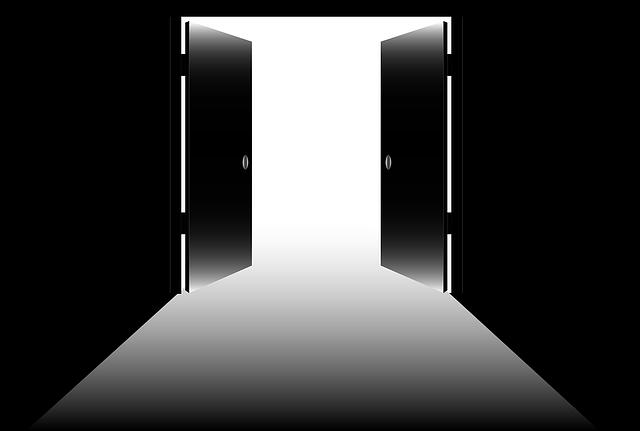 open-doors-1518244_640